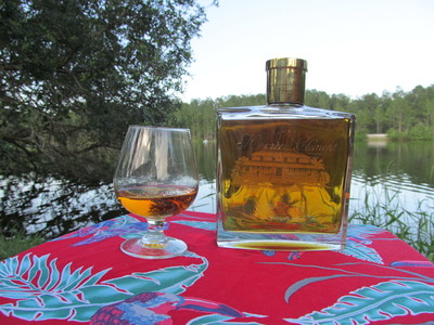 Medium excellent rhum agricole with the perfect snifter